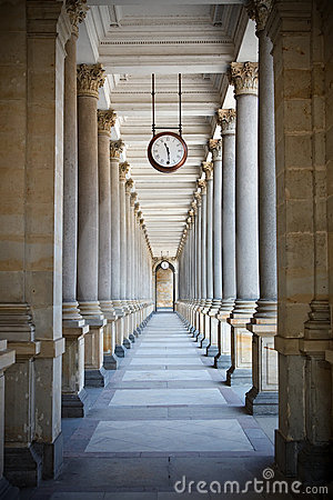 Free Colonnade Royalty Free Stock Photography - 11876997