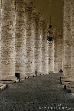 The Colonnade by St. Peter s Basilk Plaza, Rome