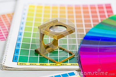 Color guide and colour fan with linen tester
