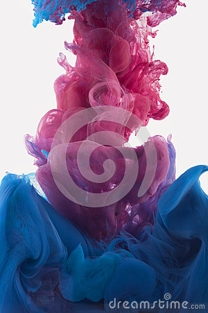 Free Color Ink Drop In Water. Redish Violet, Deep Blue Royalty Free Stock Photos - 48330628