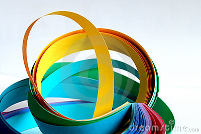Color paper strips in circles