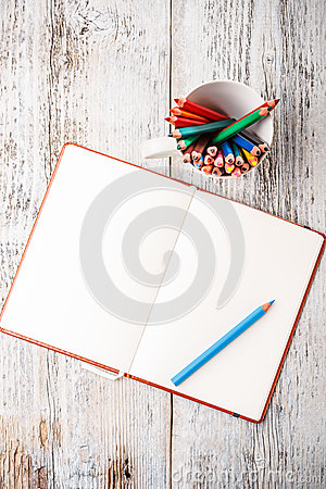 Free Color Pencil And Notepad Stock Image - 29779131