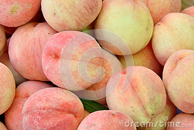 Color and texture of fresh peaches