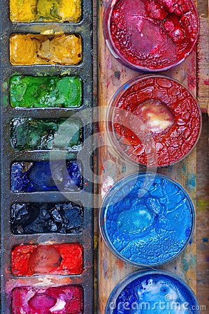 Free Colored Paints Royalty Free Stock Photos - 103078718