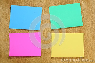 Colorfu blankl memo note on plywood