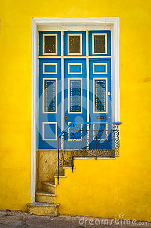 Free Colorful Door On An Old House In Havana Royalty Free Stock Photos - 29504008