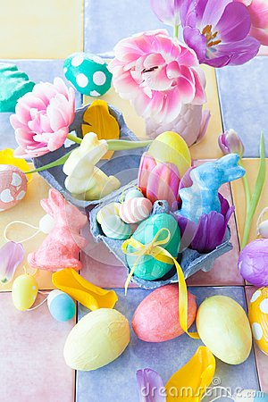 Free Colorful Easter Decorations Royalty Free Stock Image - 109239906