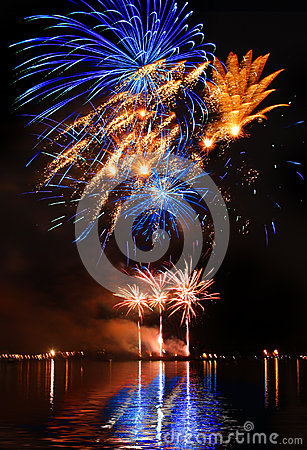 Free Colorful Firework In A Night Sky Royalty Free Stock Photo - 31616735