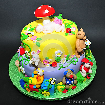 Free Colorful Fondant Cake With Animals Figurines Royalty Free Stock Photo - 46349585