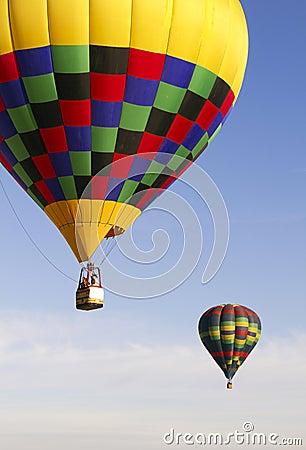 Free Colorful Hot Air Balloons Over Arizona Royalty Free Stock Photo - 22084305