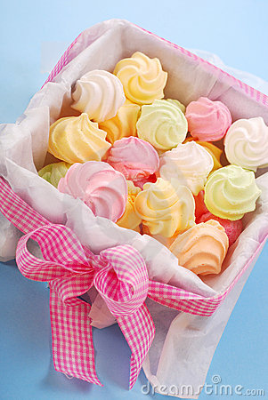 Colorful meringues