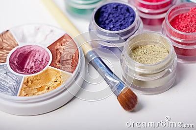 Colorful mineral eyeshadows