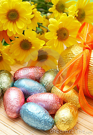 Free Colorful Wrapped Chocolate Easter Eggs Royalty Free Stock Images - 4469269