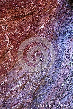 Colori profondi di argilla friabile