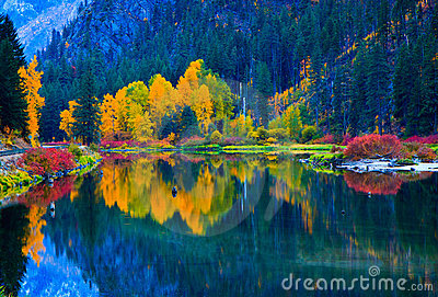 Colors of Fall, Jolanda Lake, Washington