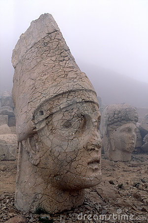 Free Colossal Stone Heads Stock Image - 1555981