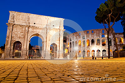 Colosseo and Arco di constantino night view