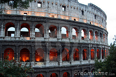 Colosseo at dusk