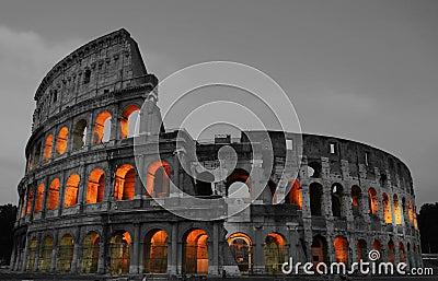 Colosseum晚上罗马