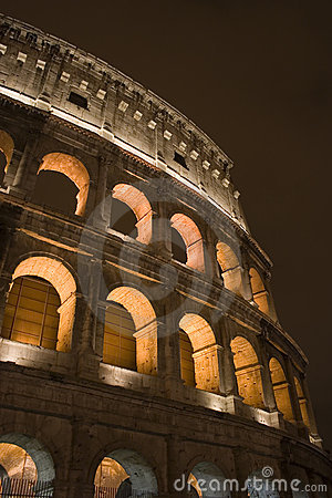 Colosseum entro Night