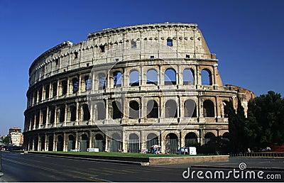 rome is nu heel anders als vroeger maar je ziet nog veel oude dingen