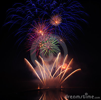 Free Colourful Fireworks Royalty Free Stock Images - 15581329