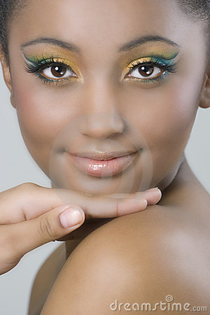 Free Colourful Makeup On Dark Skinned Beauty Stock Photos - 13554523
