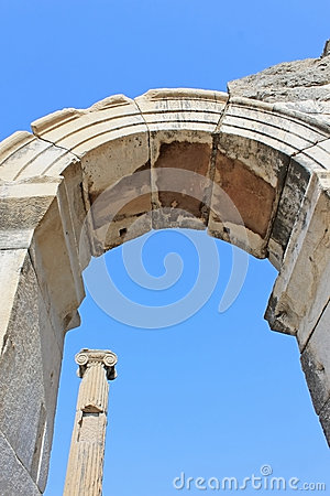 Column and arch in Ephesus