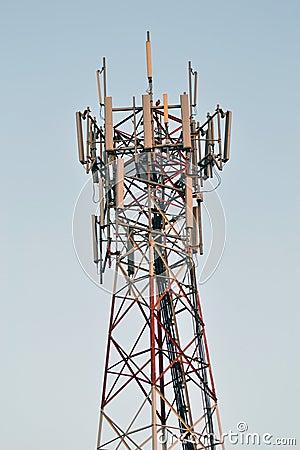 Column broadcast antenna