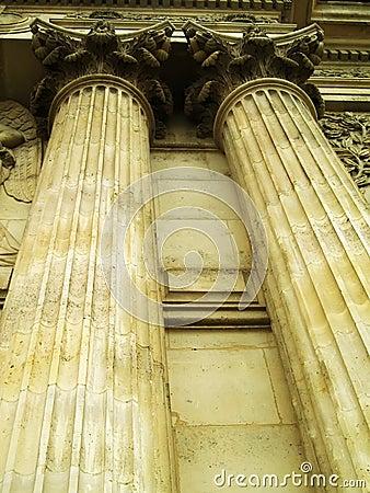 Free Columns Royalty Free Stock Image - 1089526