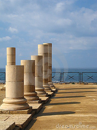 Free Columns In Caesarea Stock Images - 2030484