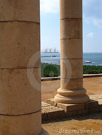 Free Columns In Caesarea Stock Photo - 2030510
