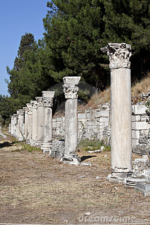 Columns in The Tetragonos Agora