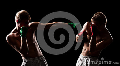 Combat of two boxers
