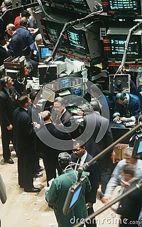 Comerciantes en la Bolsa de Nuevo York Foto de archivo editorial