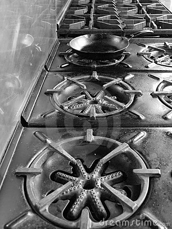 Commercial kitchen: stove top pan