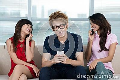 Communicating trio