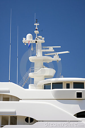 Communications mast on yacht