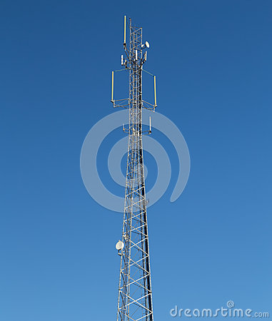 Communications tower with antennae