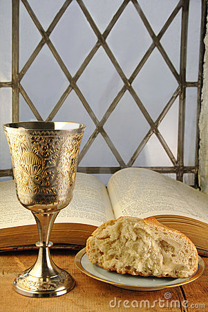 Free Communion Bread And Wine With Bible Royalty Free Stock Photo - 9364705
