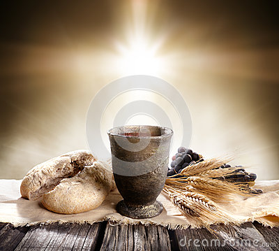 Free Communion - Unleavened Bread With Chalice Of Wine Royalty Free Stock Image - 88711246