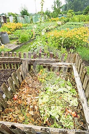 Compartimiento de estiércol vegetal del jardín