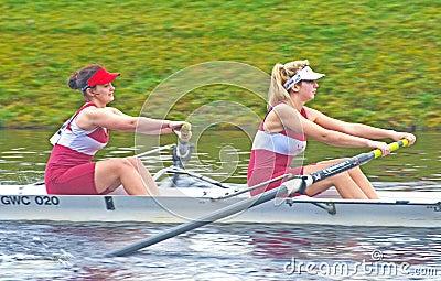 Competição principal dos botes em Inverness. Fotografia Editorial