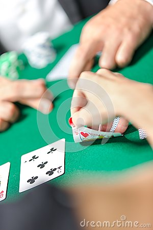 Competition between poker players