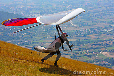Competitor of the Dutch Open-2010 hang gliding com Editorial Photo