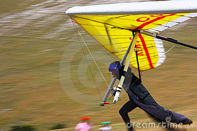 Competitor of the Dutch Open-2010 hang gliding com Editorial Photography