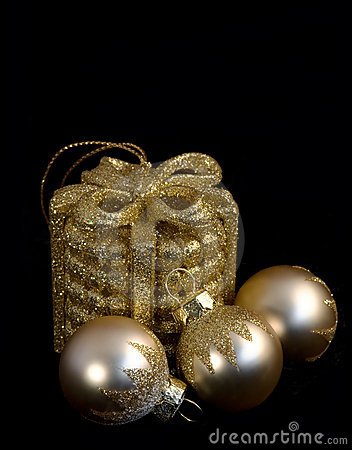 Composition of four  christmas balls