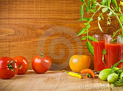 Composition of tomatoes and juice
