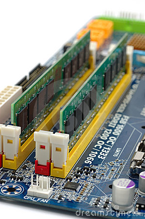 Fitting PC RAM - Custom Build Computers