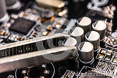 Computer repair, installation capacitor